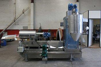 Máquina-para-reciclagem-de-plásticos.jpg